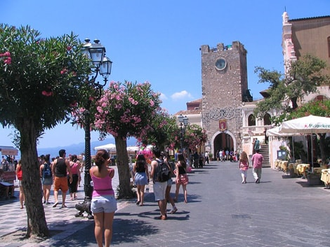 Vinci Viaggio a Taormina con Arance Tarocco (Solo Pam/Panorama)